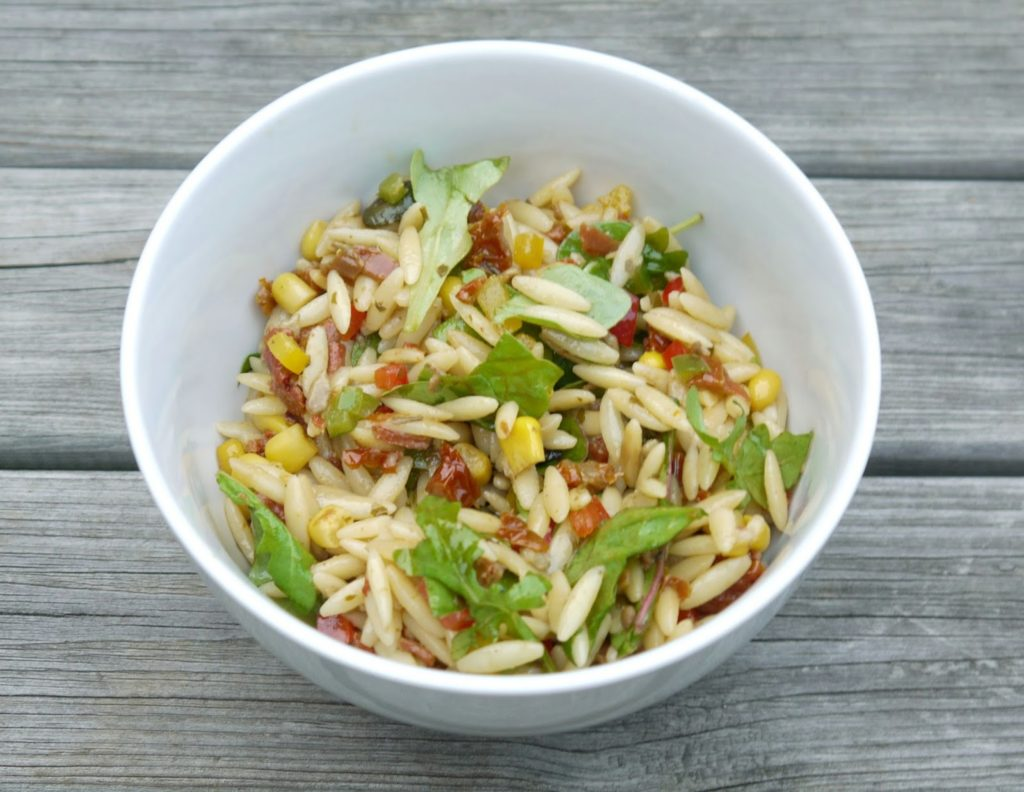 Kritharaki-Salat mit Paprika | Rezept | Kochen | Nudeln | Grillen | Beilage