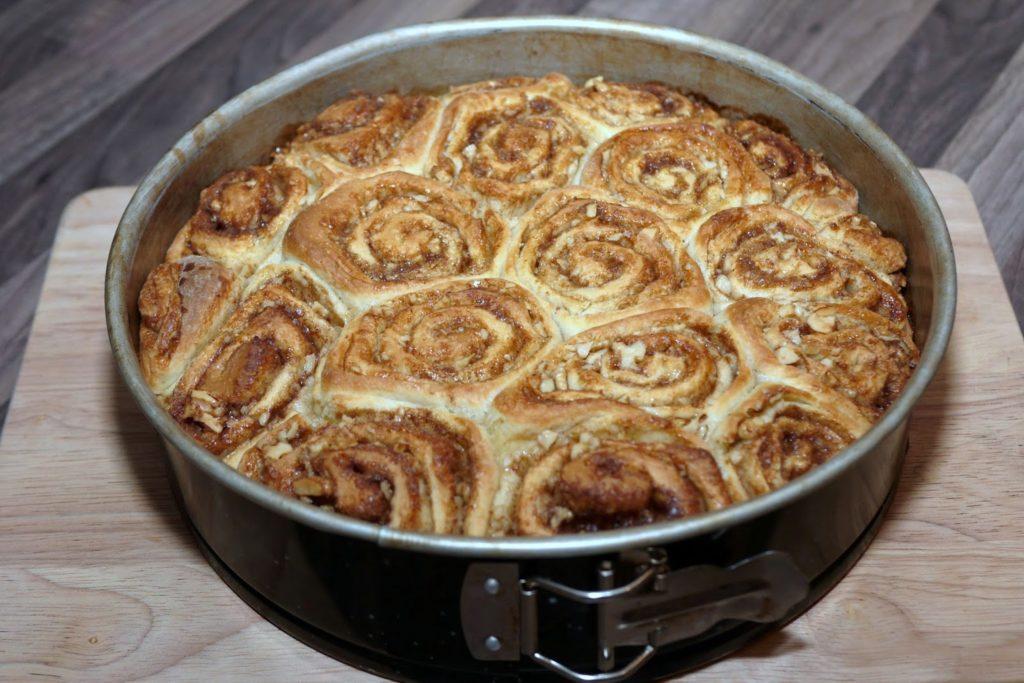 Zimtschnecken mit Walnüssen | Backen | Kuchen | Gebäck | Hefeteig