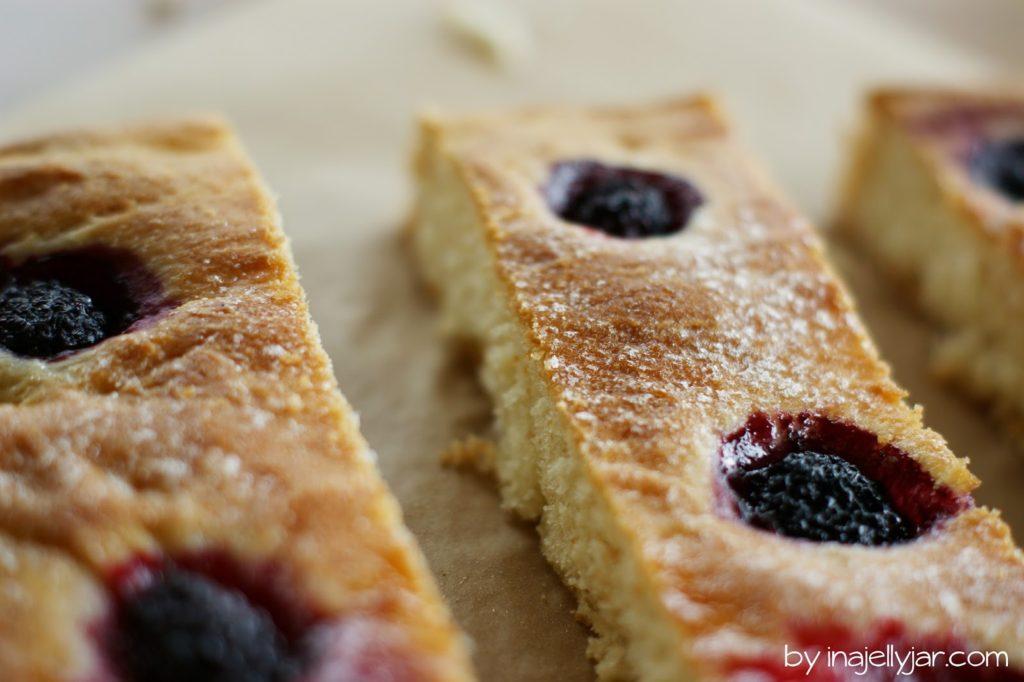 Experimente aus meiner Küche: Brombeer-Foccacia #breadbakingfriday