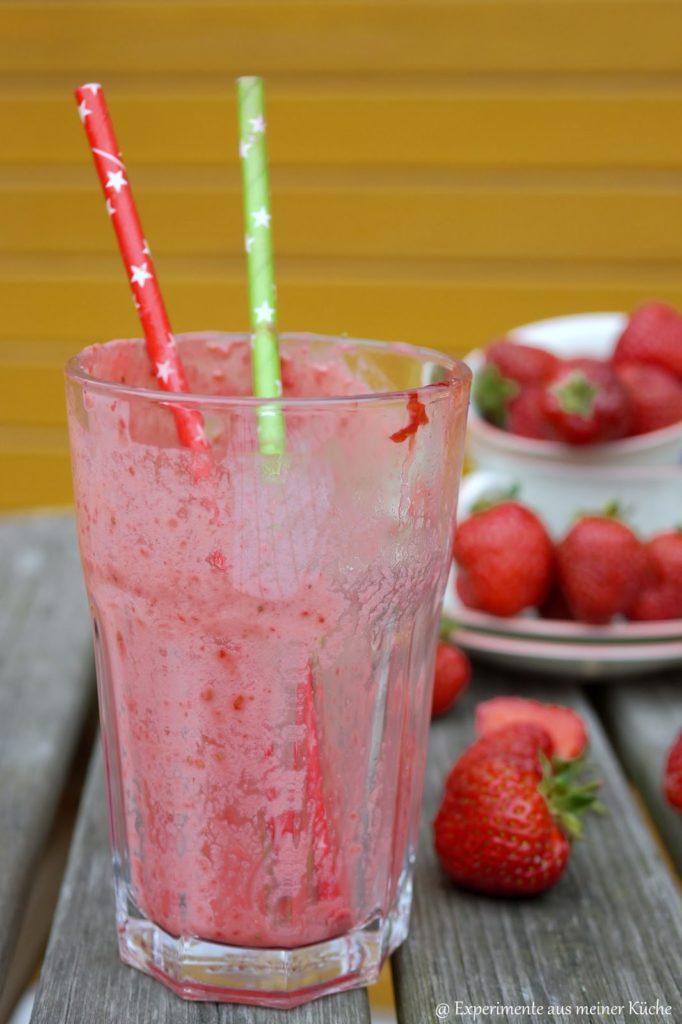 Experimente aus meiner Küche: Erdbeer-Himbeer-Smoothie