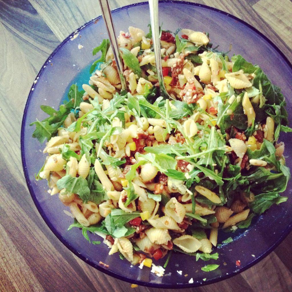 Experimente aus meiner Küche: Italienischer Nudelsalat