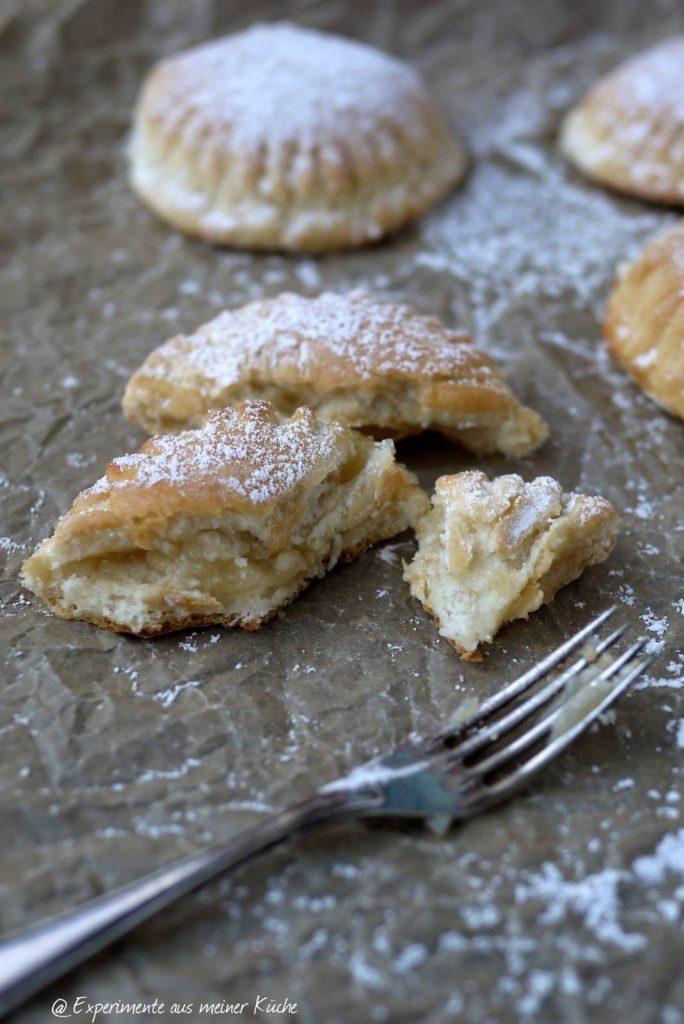 Experimente aus meiner Küche: Apfelmus-Marzipan-Taschen
