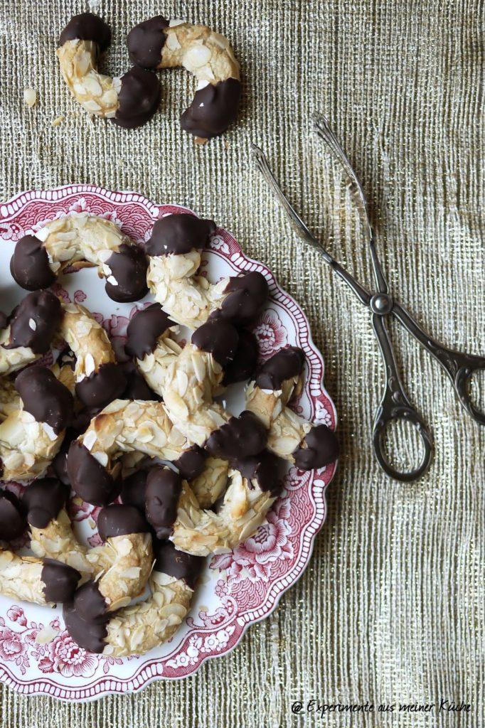 Experimente aus meiner Küche: Mandel-Lebkuchen-Hörnchen