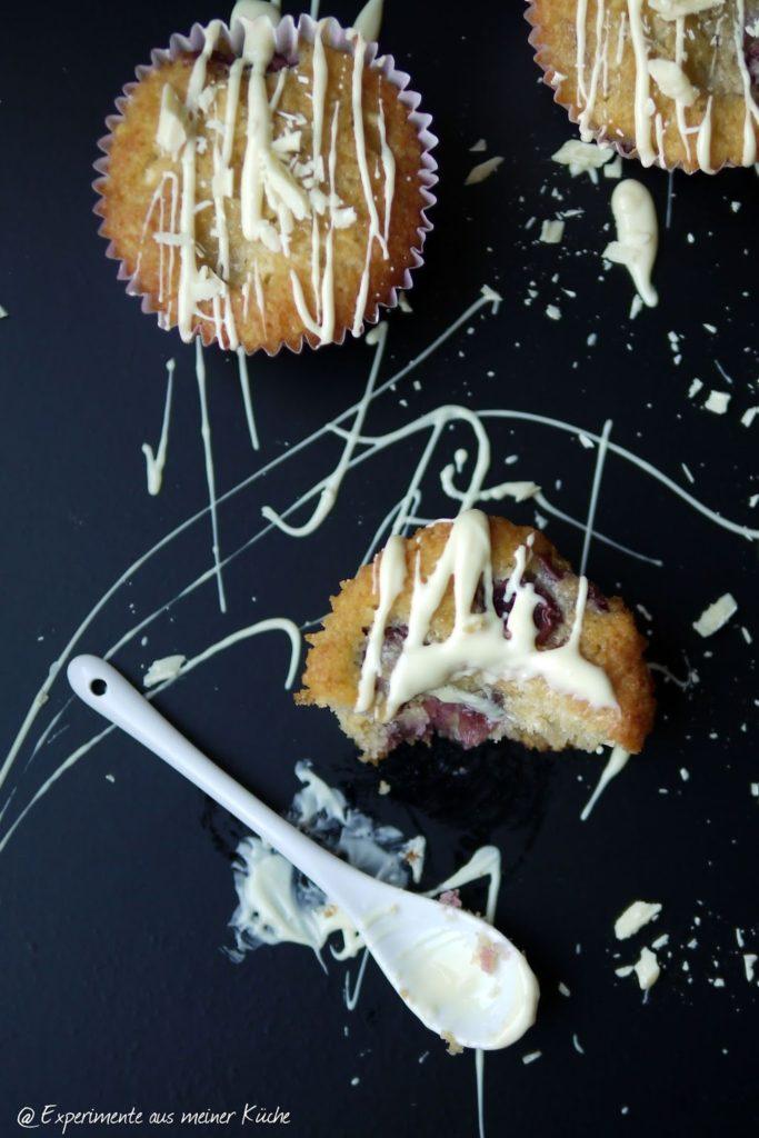 Experimente aus meiner Küche: Kokos-Kirsch-Muffins mit weißer Schokolade