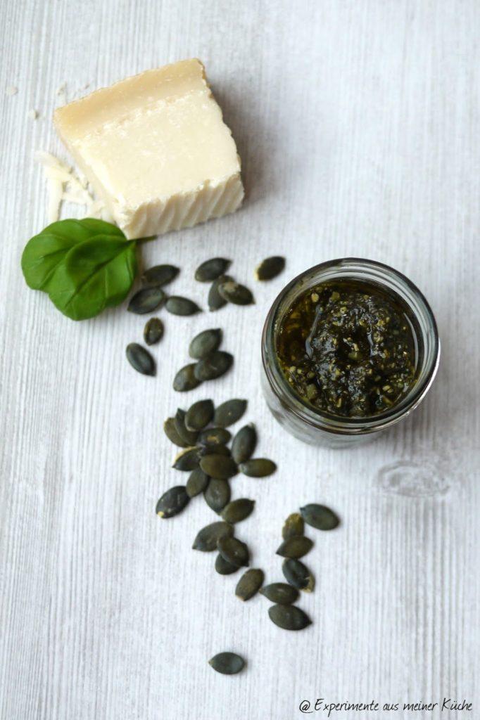 Experimente aus meiner Küche: Kürbiskern-Basilikum-Pesto #pestostorm