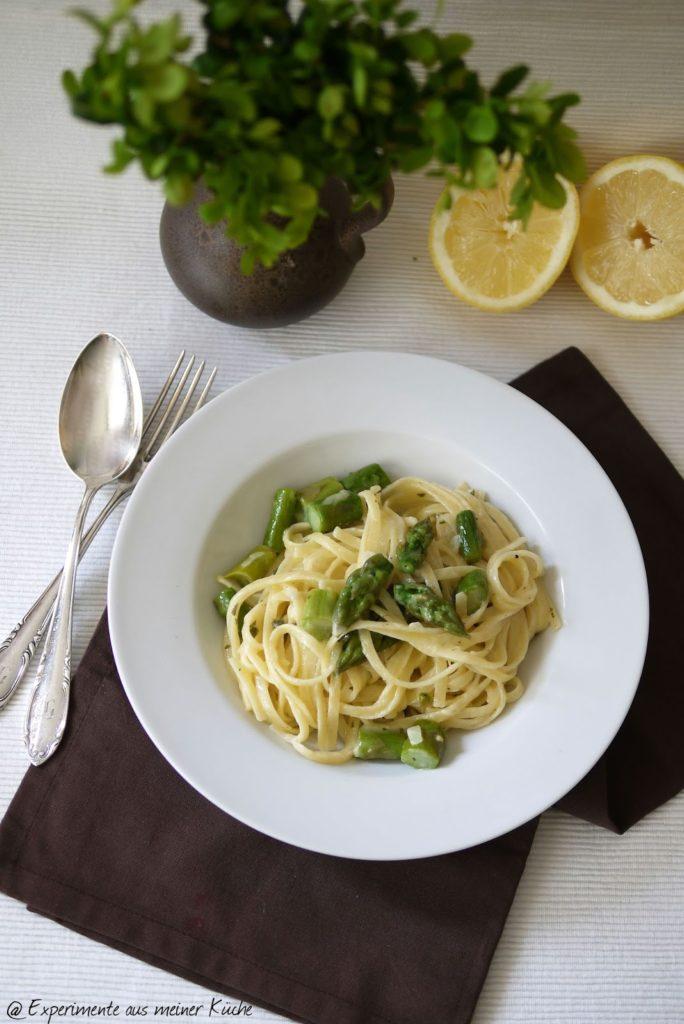 Experimente aus meiner Küche: Pasta mit Spargel in Salbei-Sahne-Soße