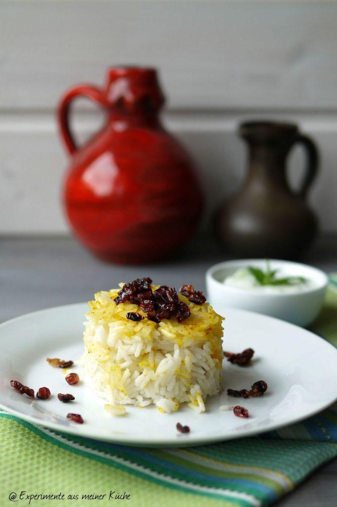 Experimente aus meiner Küche: Safran-Berberitzen-Reis mit Minzjoghurt