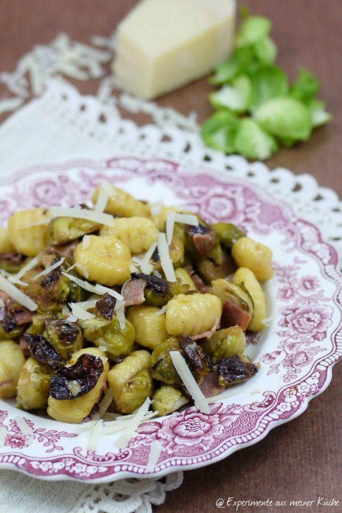 Experimente aus meiner Küche: Ofengerösteter Rosenkohl mit Gnocchi
