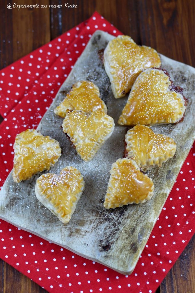 Experimente aus meiner Küche: Gefüllte Blätterteigherzen