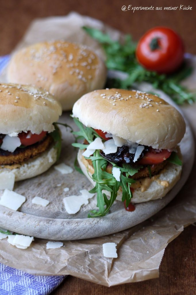 Experimente aus meiner Küche: Vegetarische Burger Italo Style mit selbstgemachten Burger Buns