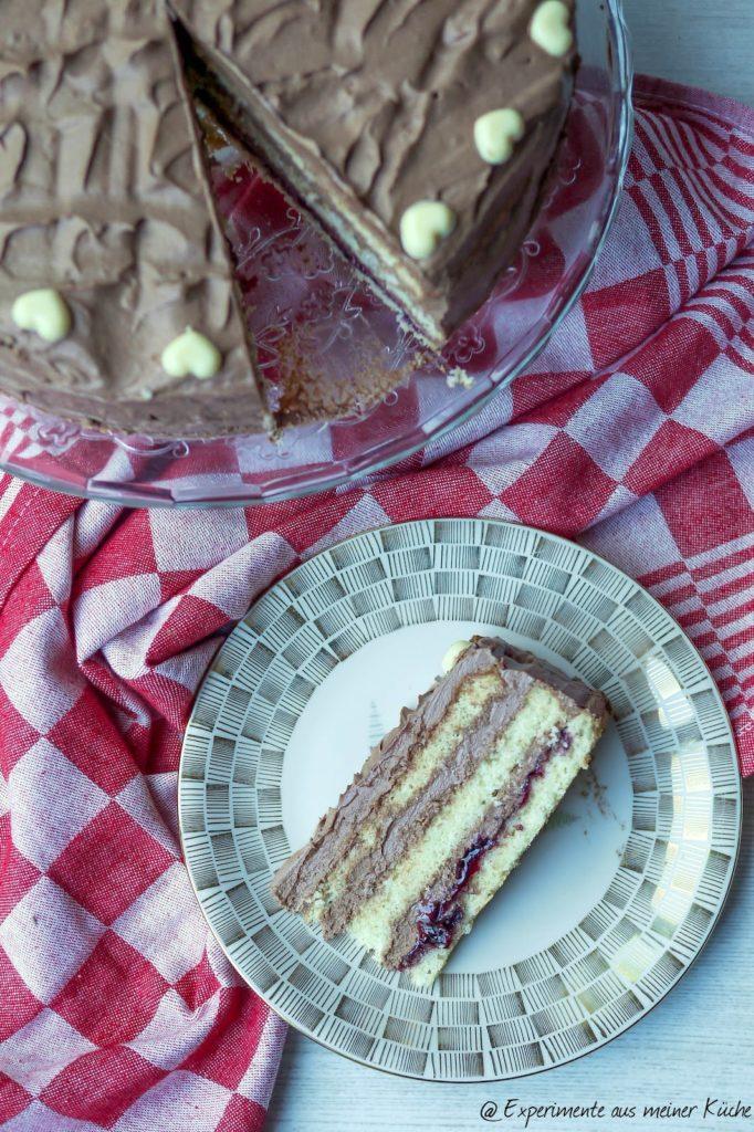 Experimente aus meiner Küche: Schokoladen-Buttercremetorte