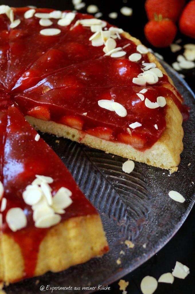 Experimente aus meiner Küche: Fruchtiger Erdbeerkuchen