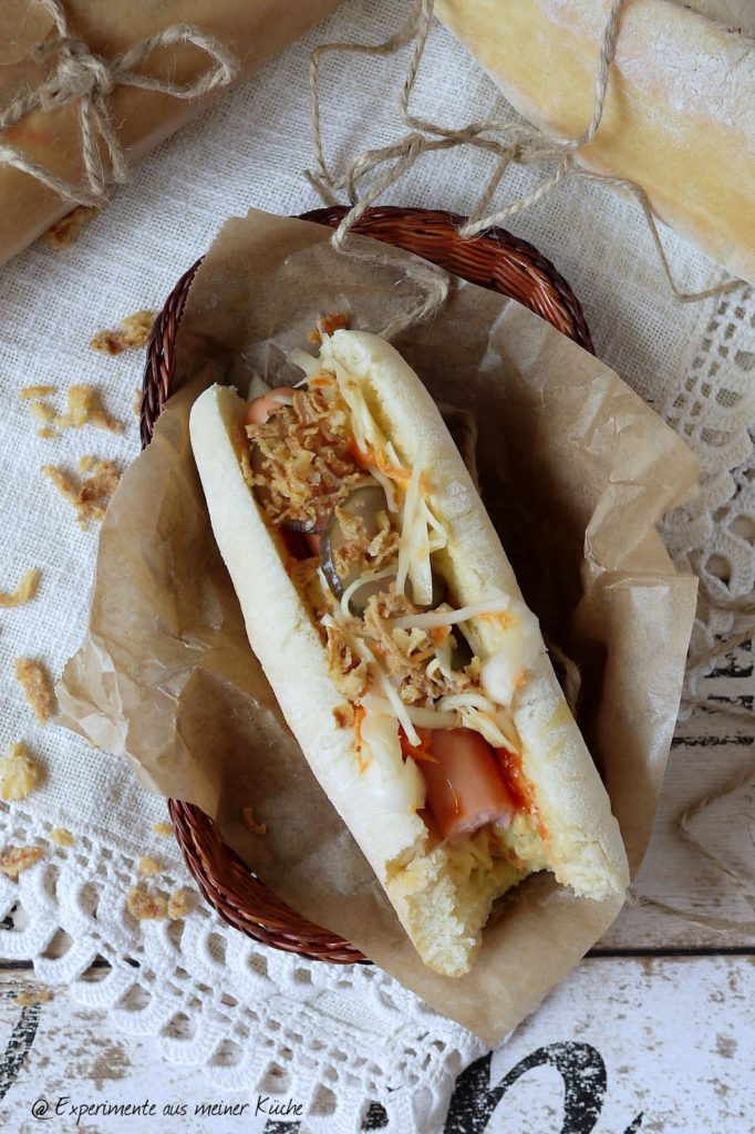 Experimente aus meiner Küche: Selbstgemachte Hot Dogs mit Coleslaw