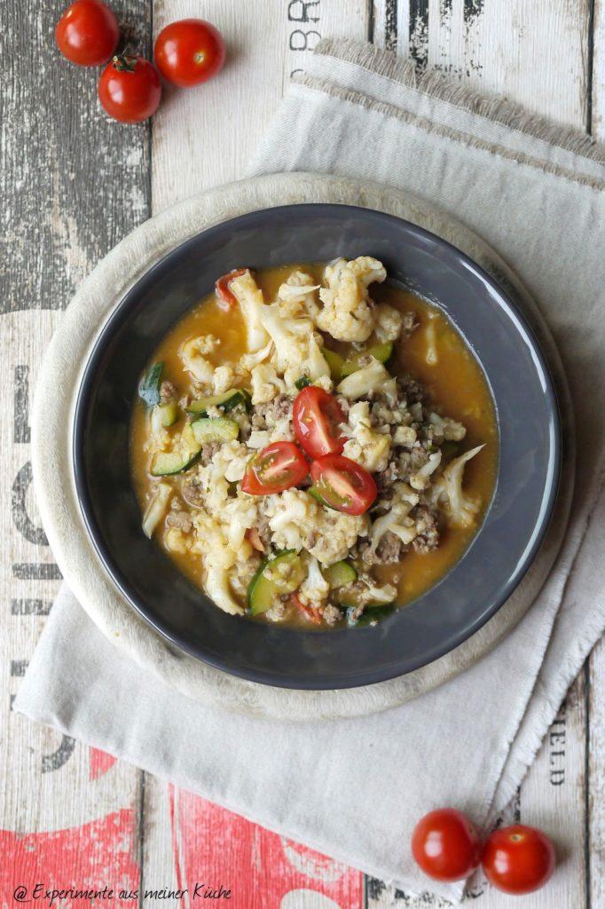 Experimente aus meiner Küche: Blumenkohl-Zucchini-Gemüse mit Hackfleisch