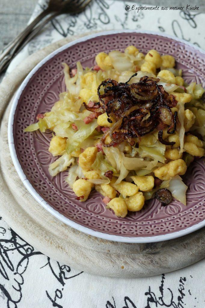 Experimente aus meiner Küche: Spitzkohl-Knöpfle-Pfanne