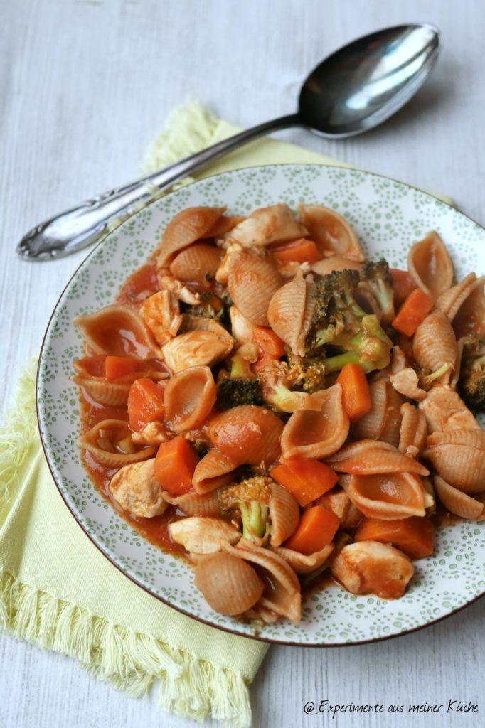Experimente aus meiner Küche: Gemüse-Hähnchen-Topf mit Pasta