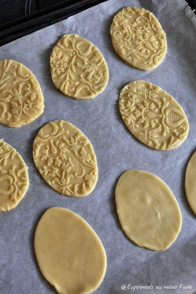 Experimente aus meiner Küche: Filigrane Mürbeteigkekse mit Ostermotiven