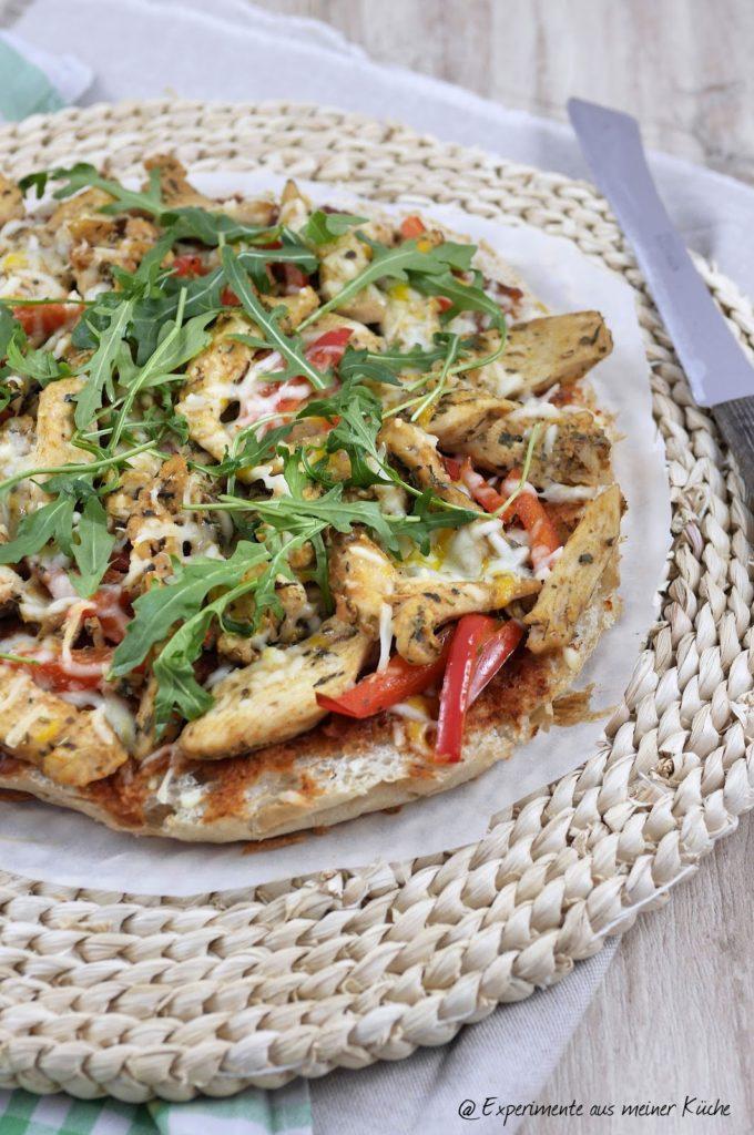 Experimente aus meiner Küche: Hähnchengyros-Fladenbrotpizza mit Zaziki
