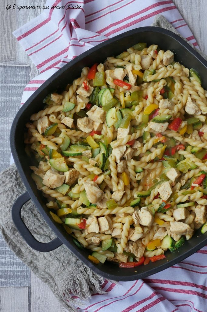 Schlemmernudeln mit Hähnchen | Rezept | Essen | Kochen