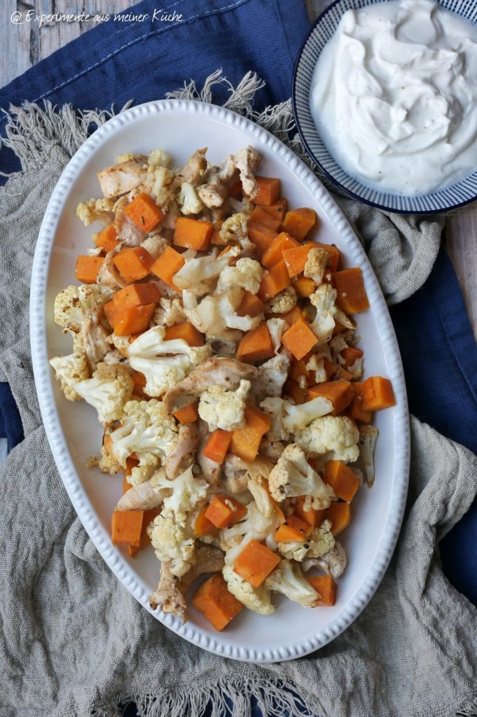 Gerösteter Blumenkohl mit Süßkartoffel und Hähnchen vom Blech | Ofengemüse | Rezept | Kochen | Essen