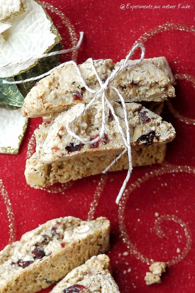 Lebkuchen-Cantuccini mit Cranberries und gebrannten Mandeln | Rezept | Weihnachtsbäckerei