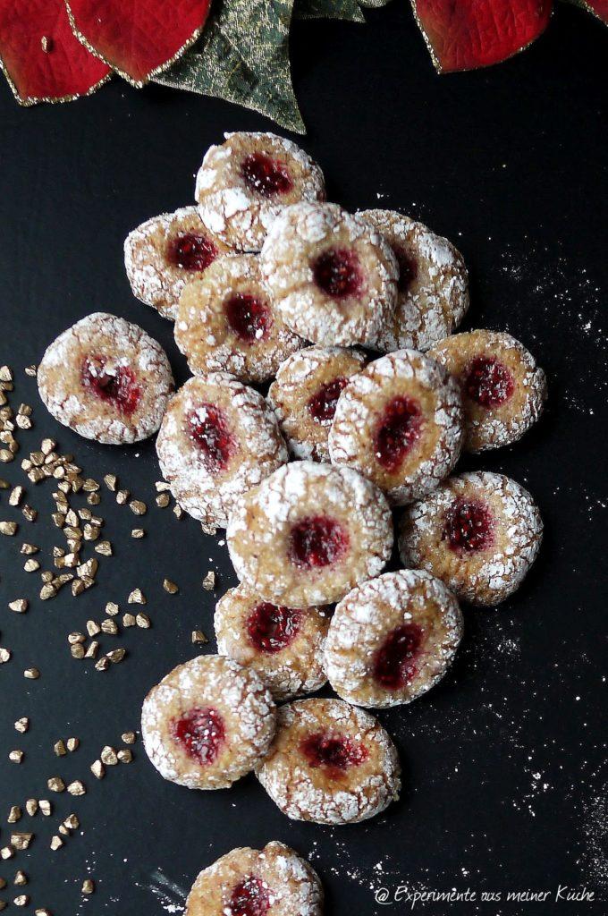 Himbeer-Amarettinis | Rezept | Weihnachtsbäckerei