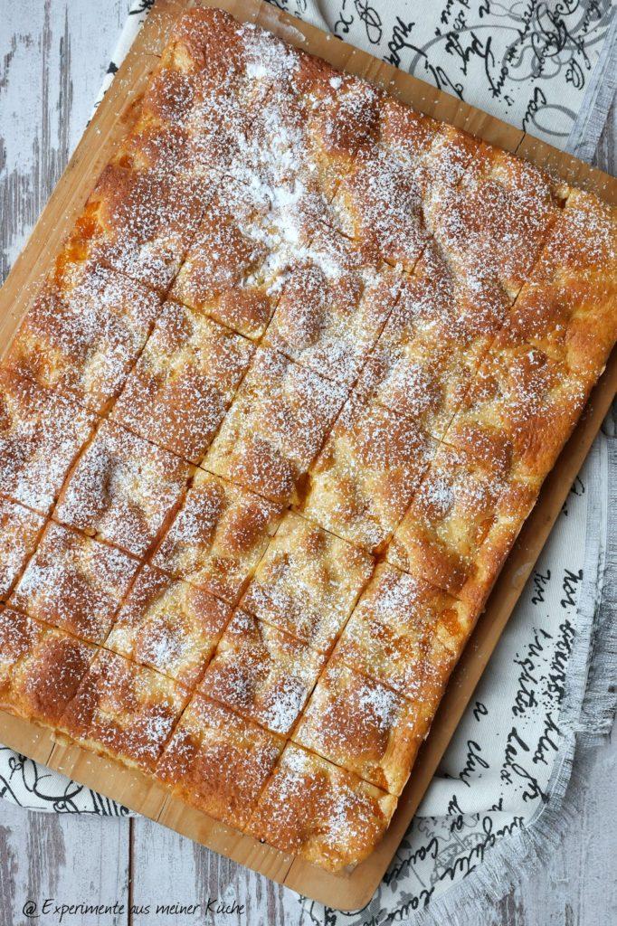 Mandarinen-Blechkuchen mit Crème fraîche-Guss | Backen | Rezept
