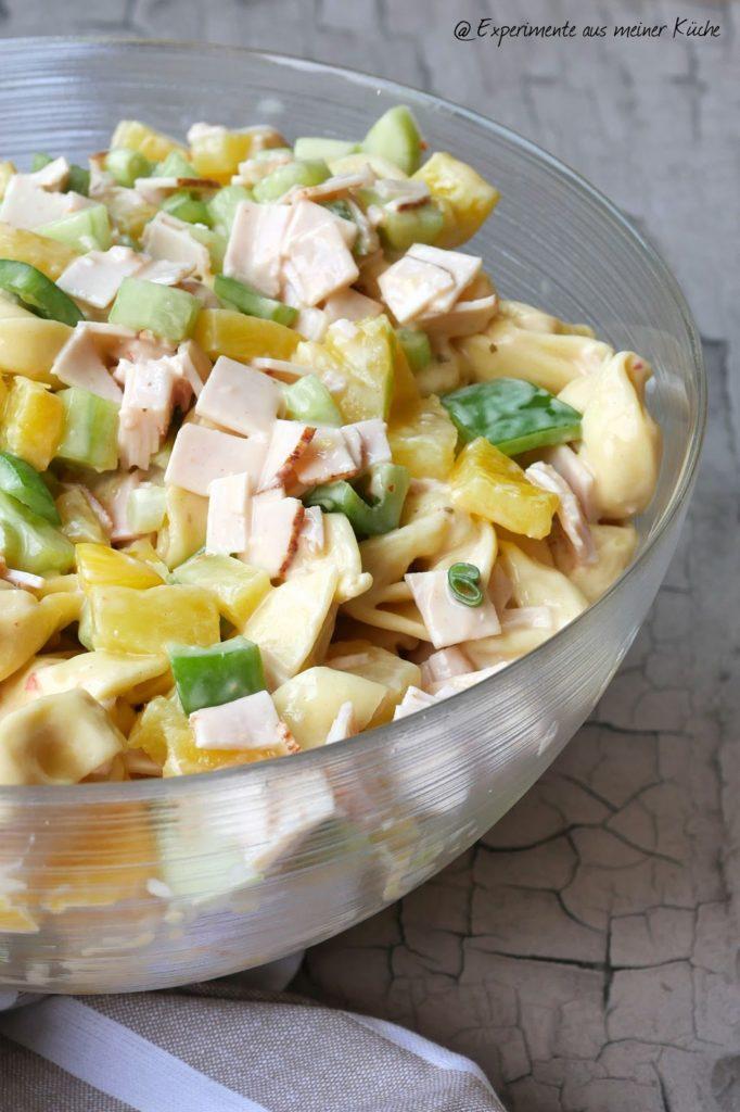 Fruchtiger Tortelloni-Salat | Rezept | Kochen | Salat | Grillbeilage | Essen