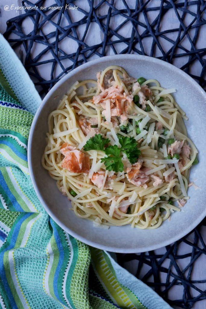Cremige Lachs-Pasta mit Erbsen   Rezept   Kochen   Essen   Nudeln