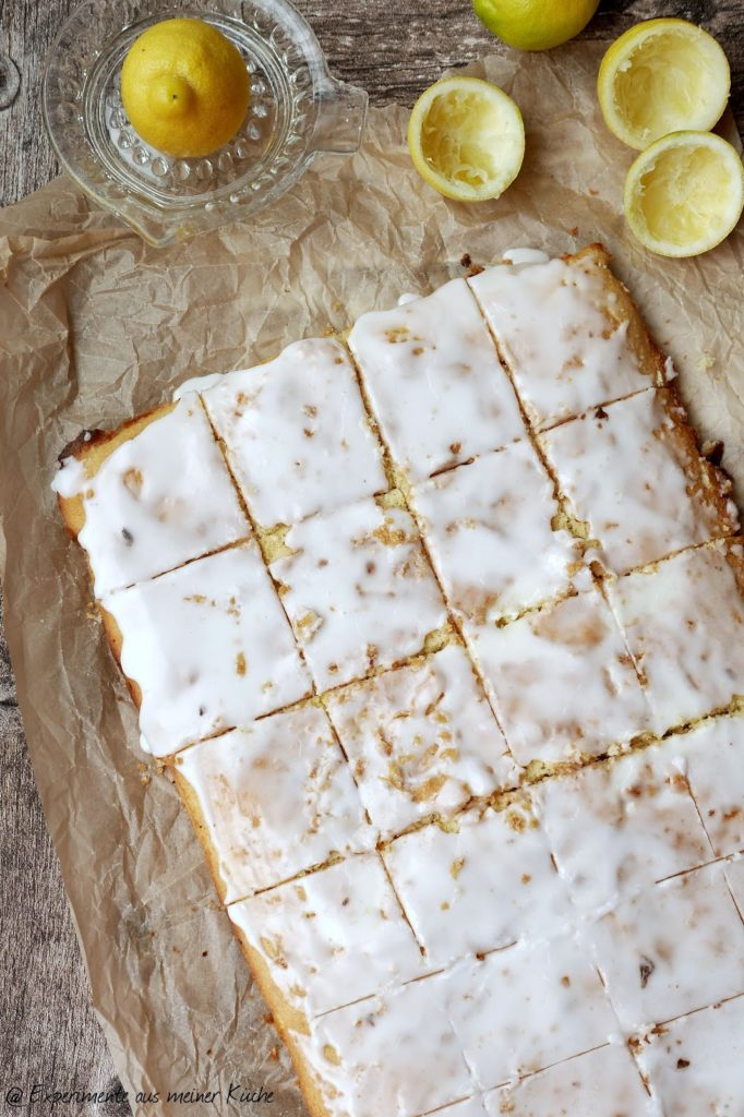 Saftiger Zitronenkuchen vom Blech   Backen   Rezept