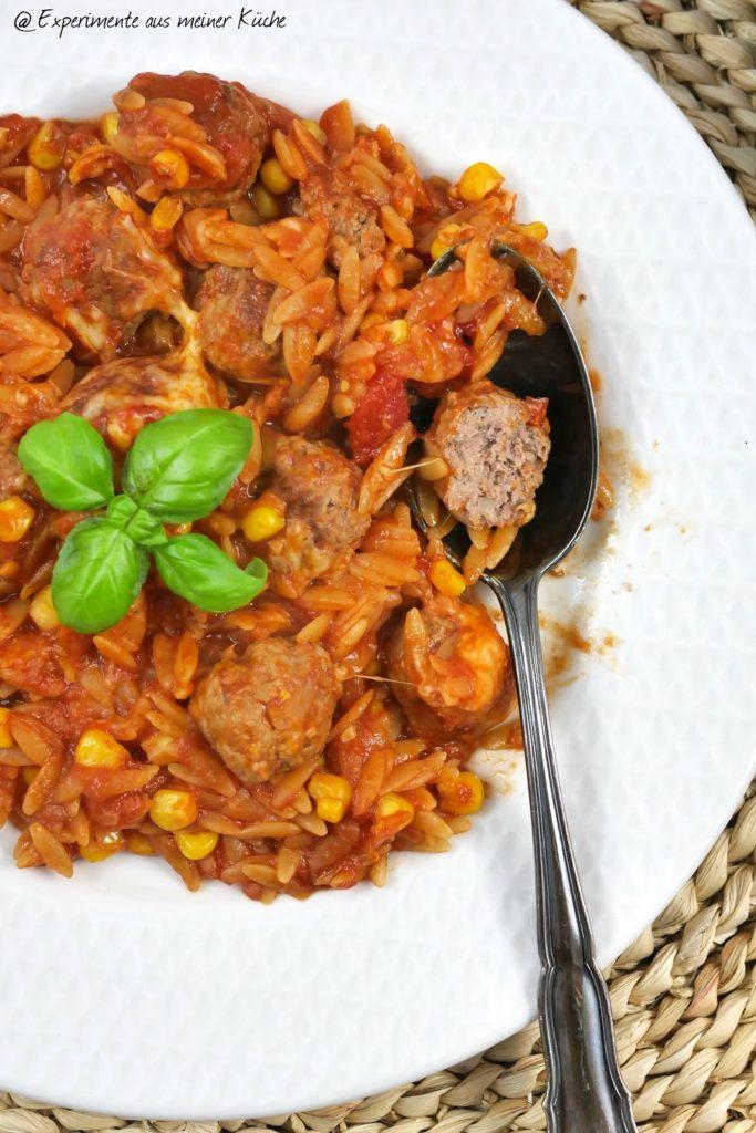 Hackbällchen-Kritharaki-Auflauf   Rezept   Kochen   Essen   Überbacken   Weight Watchers