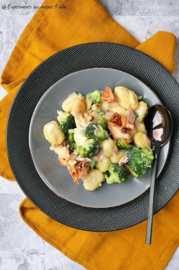 Brokkoli-Lachs-Auflauf mit Gnocchi | Rezept | Kochen | Essen | Weight Watchers