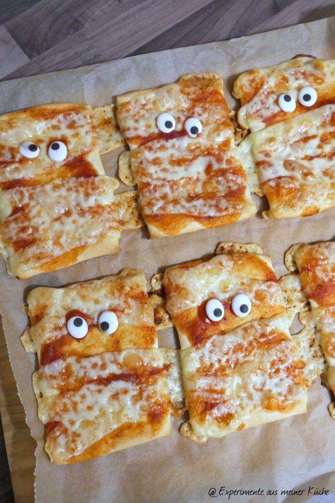 Halloween | Rezept | Essen | Fingerfood | Mumien-Pizza