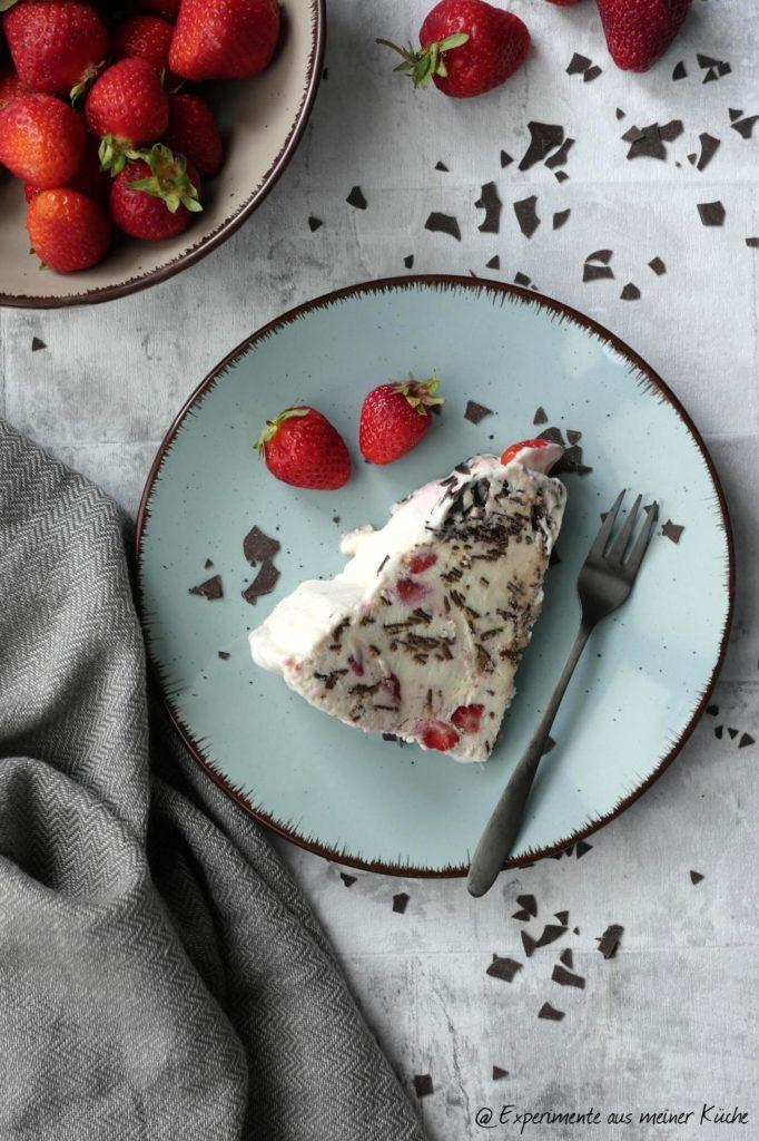 Erdbeer-Eistorte   Rezept   Essen   Dessert   Eis   Torte ohne Backen