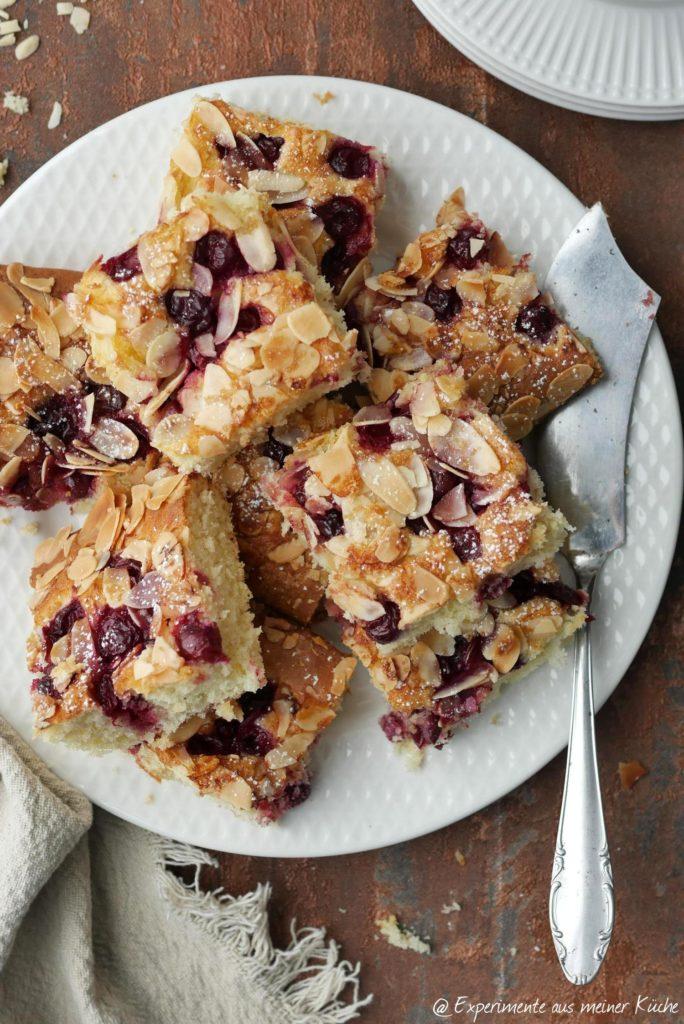 Kirschkuchen mit Mandeln | Backen | Rezept | Essen | Blechkuchen | Rührkuchen
